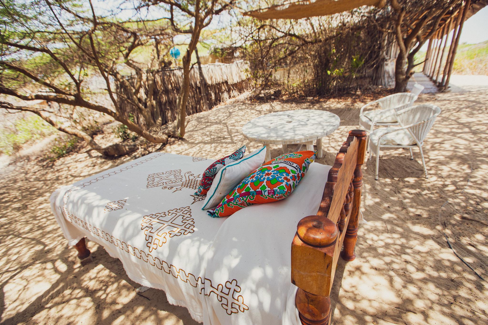 Sankrui beds under acacia